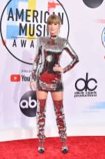 Taylor Swift in Balmain agli American Music Awards, Los Angeles