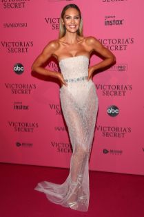 Candice Swanepoel in Khyeli Couture al Victoria's Secret show after-party,NY
