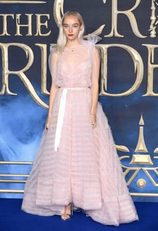 Maddi Waterhouse in Ryan Lo alla The Crimes Of Grindelwald Premiere, London