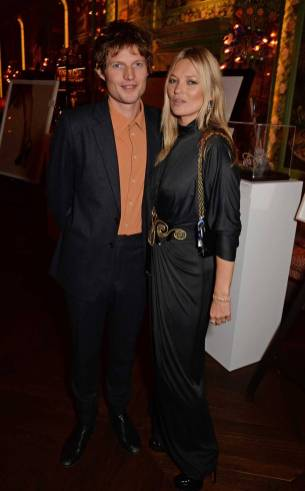 Nikolai von Bismark e Kate Moss all'Annabel's Art Auction Fundraiser, London