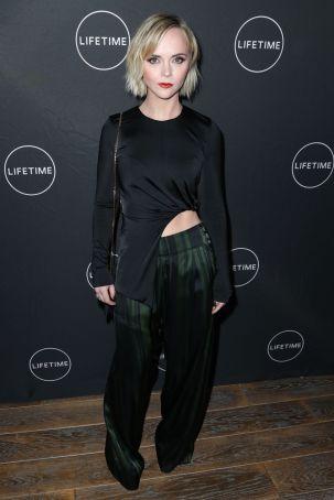 Christina Ricci in top Cushnie e pantaloni Adeam al Lifetime Winter Movies Mixer , Los Angeles