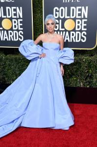 Lady Gaga in Valentino Couture ai Golden Globes 2019