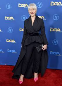 Helen Mirren in Brandon Maxwell con pumps Roger Vivier ai Directors Guild Of America Awards, Hollywood