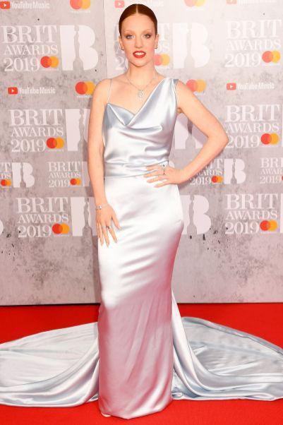 Jess Glynne in Vivienne Westwood ai Brit Awards 2019, London