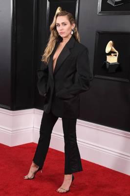 MIley Cyrus in Mugler ai Grammys, LA