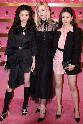 Elle Fanning con Jessie Li e Song Zuer al Miu Miu event, Shanghai