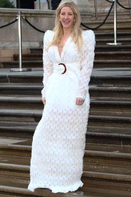 Ellie Goulding in Adriana Degreas con gioielli Bulgari alla premiere di Our Global Planet al Natural History Museum, London