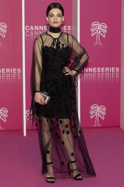 Emma Mackey in Stella McCartney al Canneseries International Festival
