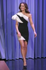 Kate Beckinsale in Georges Chakra al The Tonight Show
