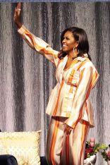 Michelle Obama in Roksanda durante il Becoming book tour, Paris.