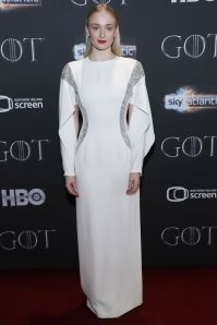 Sophie Turner in Louis Vuitton alla premiere of of Game of Thrones, Belfast