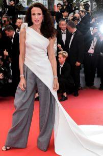 Andie Macdowall alla premiere of Les Plus Belles Annees D'Une Vie, Cannes Film Festival
