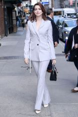 Anne Hathaway, NY