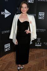 Emilia Clarke in Monique Lhuillier al SMS Battles Quiz, London