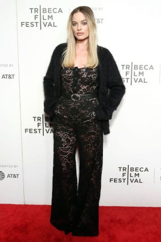 Margot Robbie in Chanel al Tribeca Film Festival