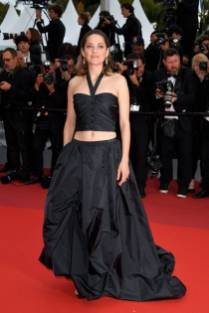 Marion Cotillard in Chanel Haute Couture al Cannes Film Festival Red Carpet 2019
