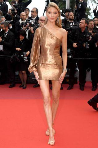Martha Hunt alla premiere of Les Plus Belles Annees D'Une Vie, Cannes Film Festival