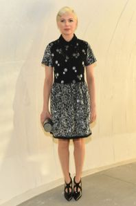 Michelle Williams in Louis Vuitton al Louis Vuitton 2020 cruise show, New York