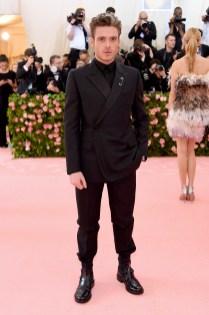 Richard Madden in Dior Homme al MET Gala, NY