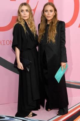Mary-Kate Olsen e Ashley Olsen in The Row ai The CFDA Awards, New York