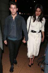 Nick Jonas e Priyanka Chopra,in David Koma, London