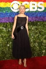 Sienna MIller in Miu Miu ai The Tony Awards, New York
