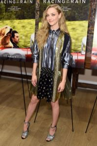 Amanda Seyfried in Prada e gioielli Jennifer Meyer all'Art Of Racing in the Rain premiere, New York