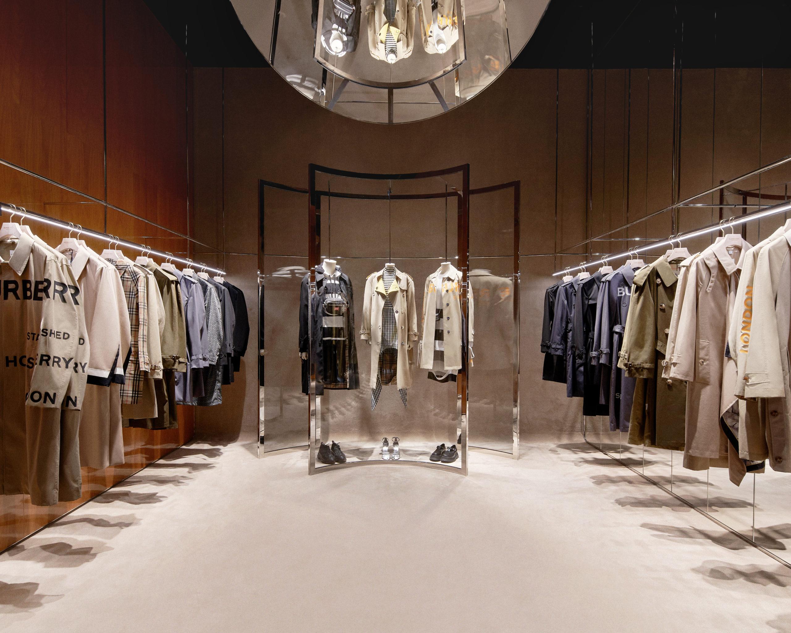 Burberry apre il primo luxury store a Shenzhen