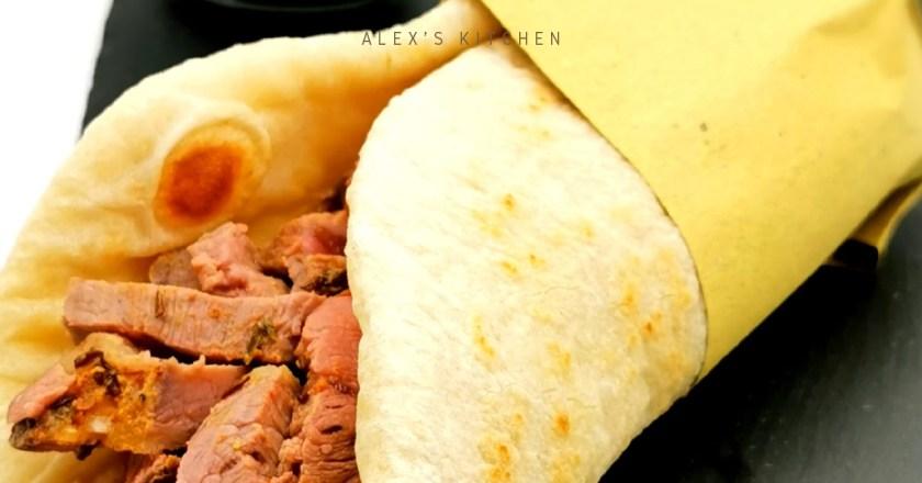 Alex's Kitchen – Kebab con pulled beef