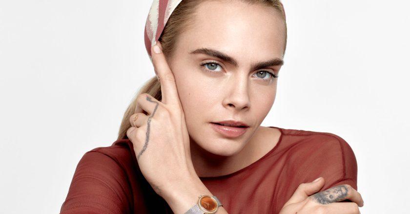 Cara Delevingne interpreta la D de Dior