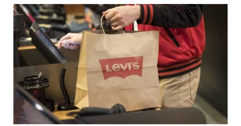 Levi Strauss allarga la famiglia e acquista Beyond Yoga