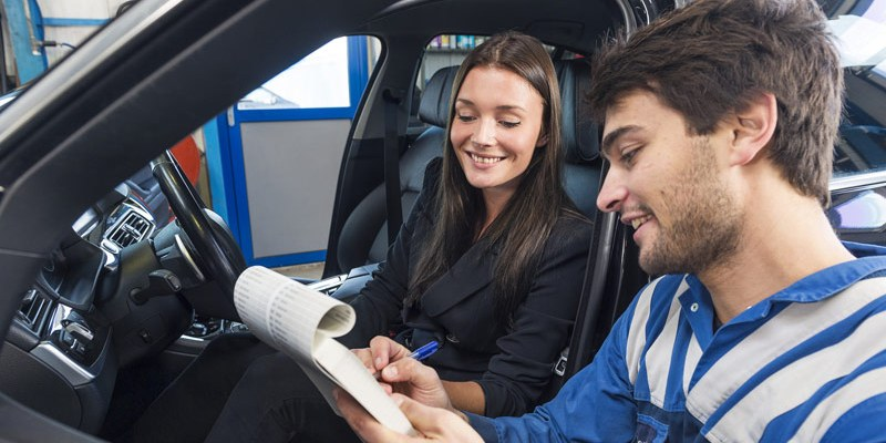 7 Reasons for Hiring A Mobile Electronics Specialist to Work on Your Car