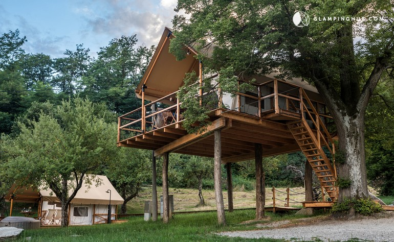 Slovenia winery treehouse