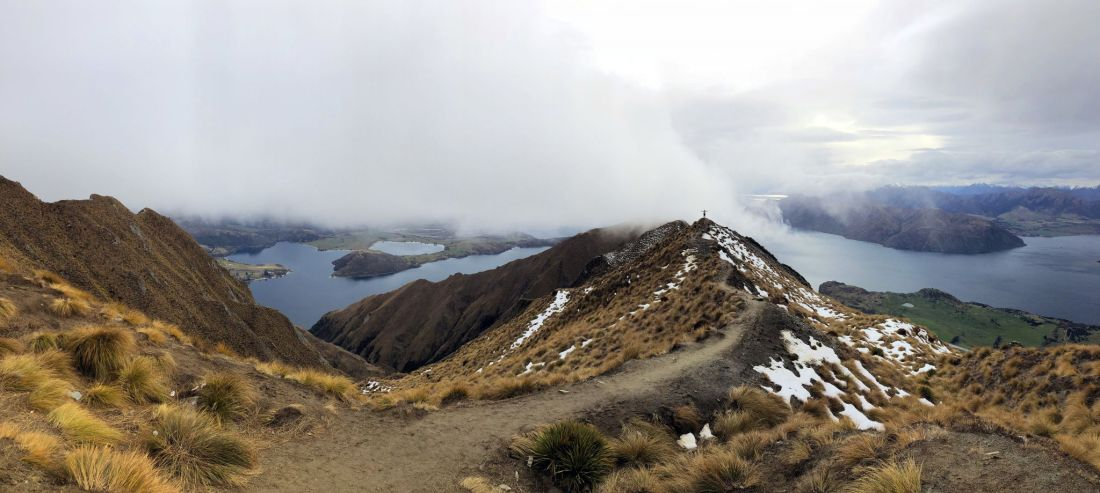 Roys Peak Hike stunning views