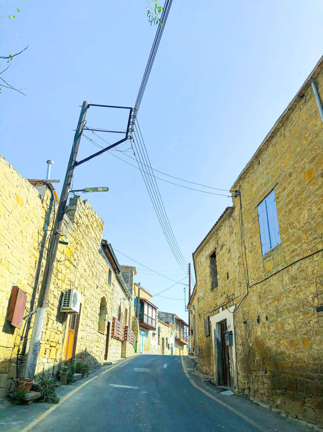 Streets-of-Tochni-Cyprus