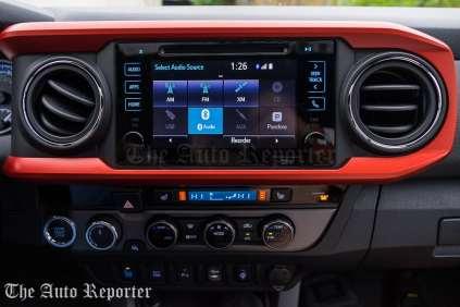 2016 Toyota Tacoma TRD 4x4_01