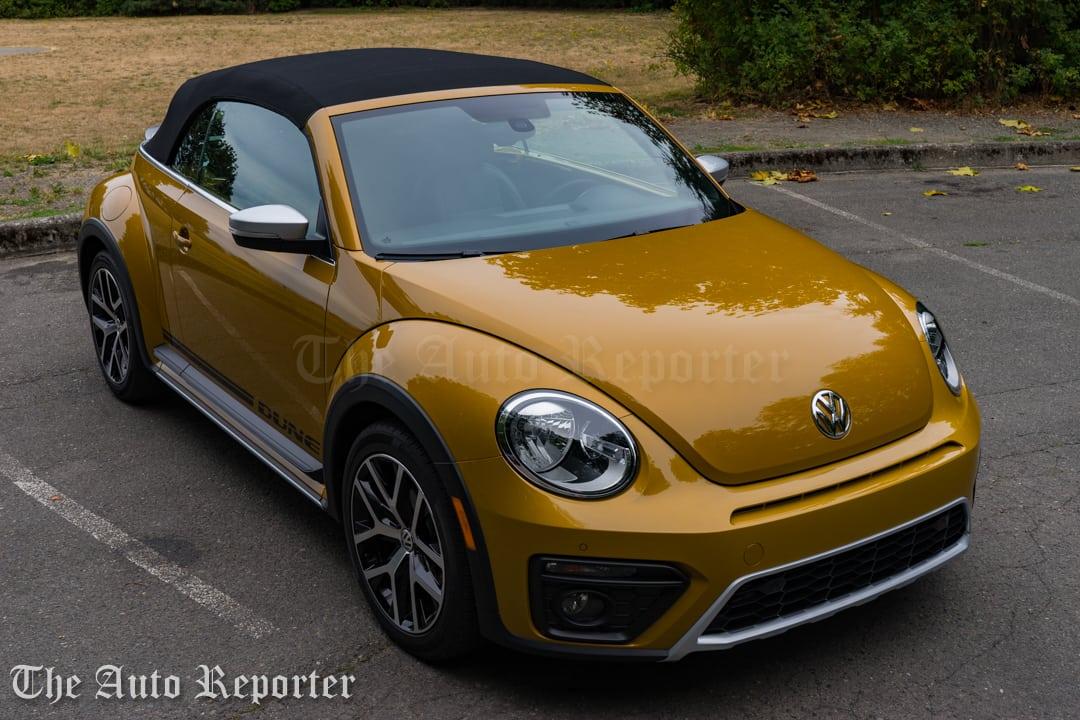 2016-volkswagen-beetle-dune-convertible_30