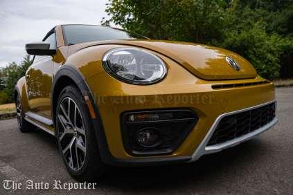 2016-volkswagen-beetle-dune-convertible_34