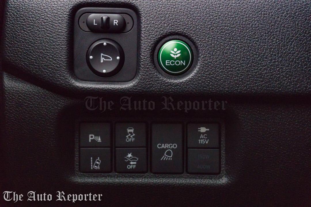 2017 Honda Ridgeline Black Edition _ 33