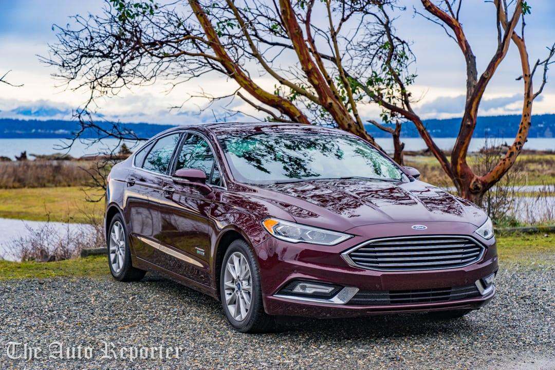2017 Ford Fusion Hybrid _ 05