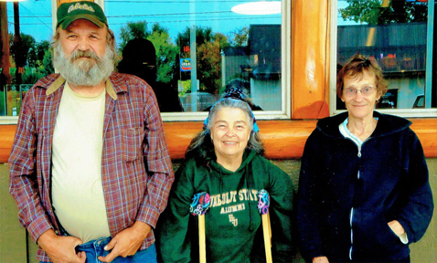 AVA contributors Katy Tahja and Bruce Patterson, with wife Trish, catch upon gossip in Prineville, Oregon.