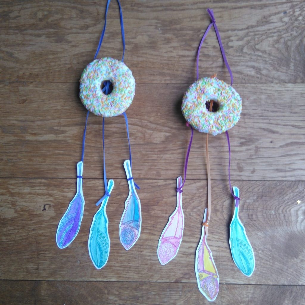 doughnut_dream_catchers_eco_friendly_party_idea