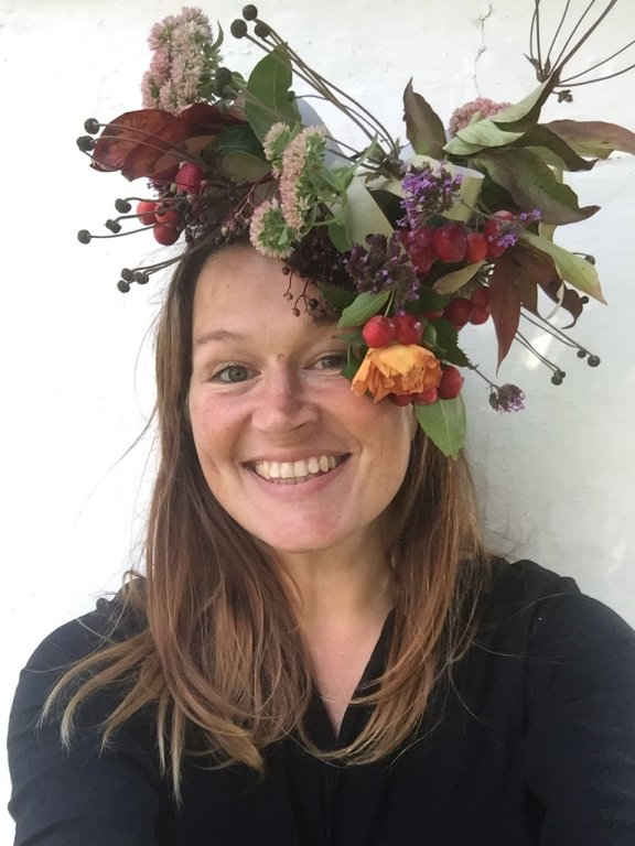 lift your spirits this autumn with this recycled cardboard and fall foliage diy fascinator craft activity for adults