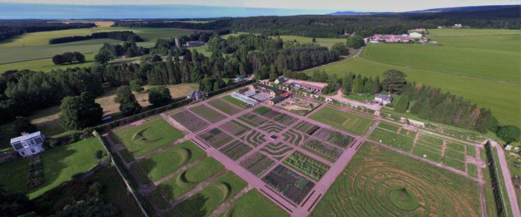 Gordon Castle Wallet Garden