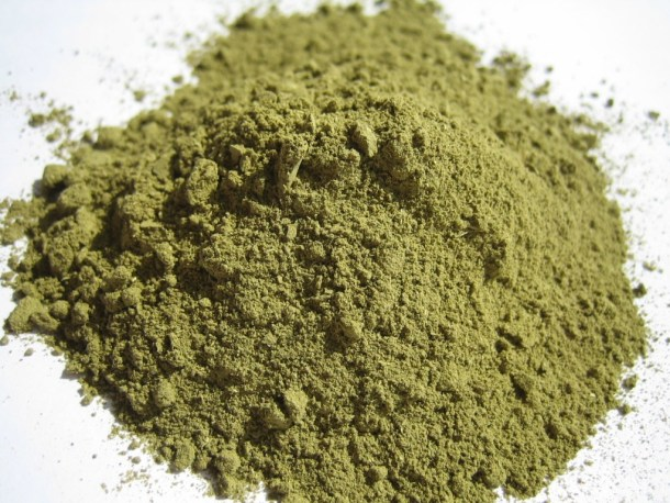 Henna powder for use