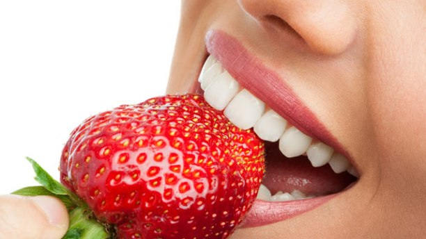 Strawberry for white teeth