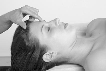 Third eye acupressure point
