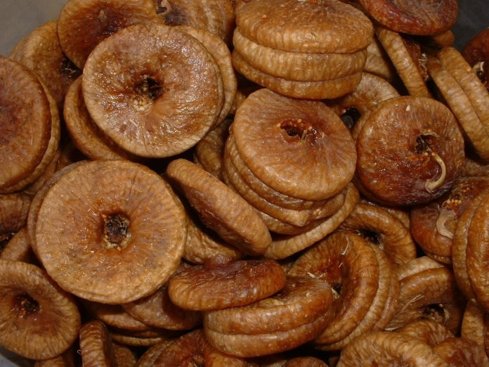 Dried figs as dry fruits
