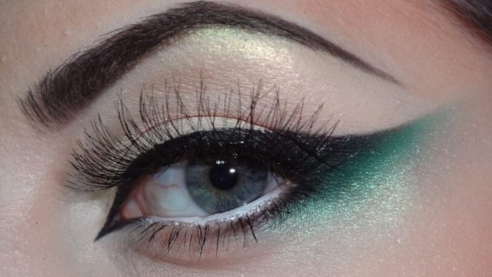 beautiful eyes with eyeshadow