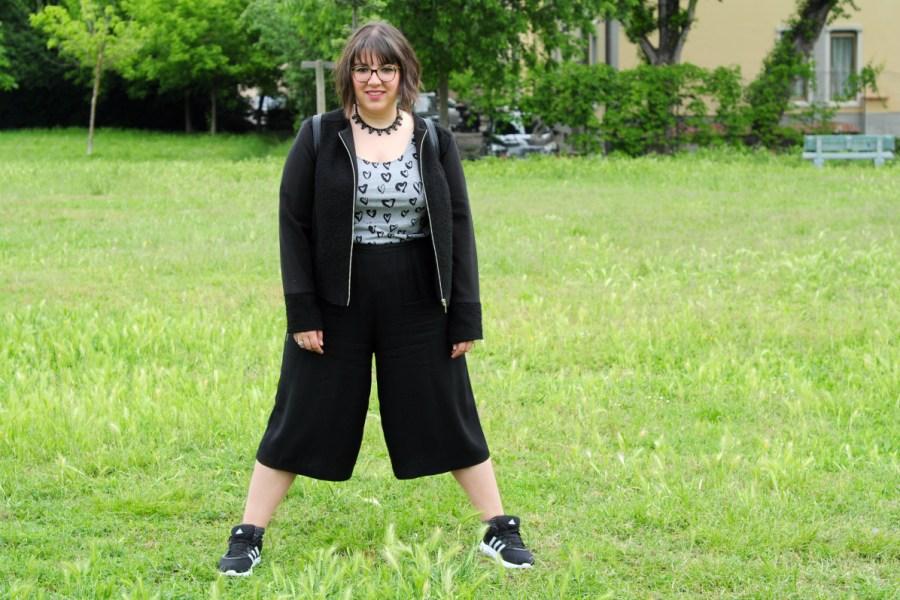 outfit-curvy-pantaloni-culotte